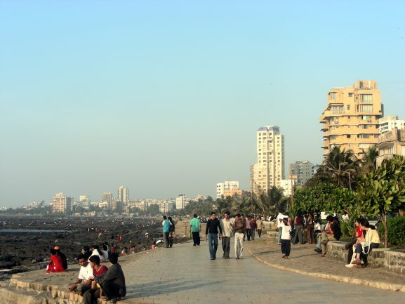 Bandra Bandstand: Place To Visit In Mumbai