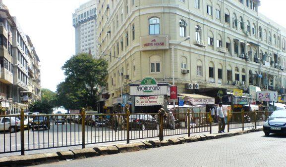 Colaba Causeway: Place To Visit In Mumbai