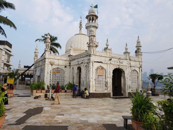 Haji Ali Dargah: Place To Visit In Mumbai
