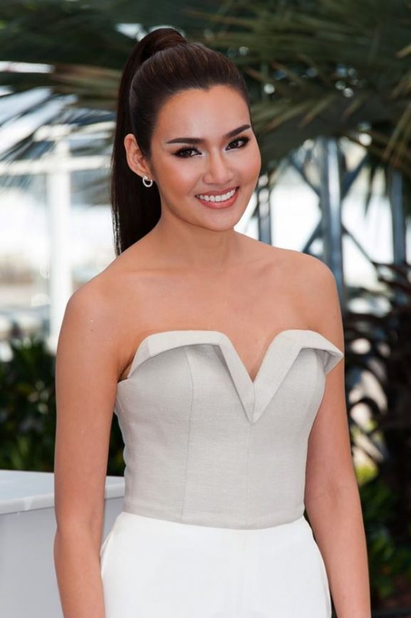 Rhatha Phongam: Most Prettiest & Famous Female Actor of Thailand