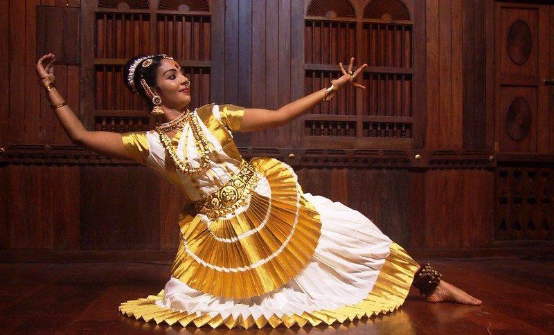 Mohiniyattam- classical dance form