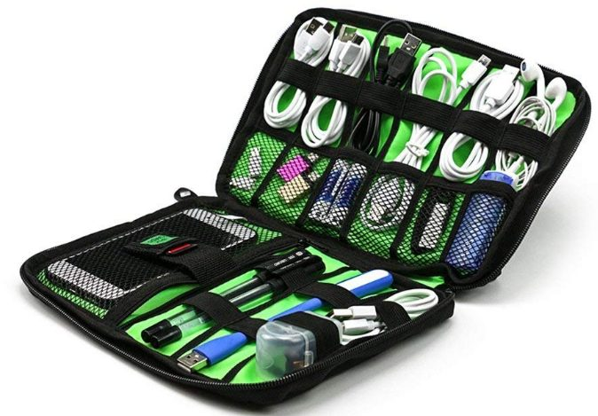 TOUA Electronic Accessories Organizer Bag: Storage Pouch Bag Case