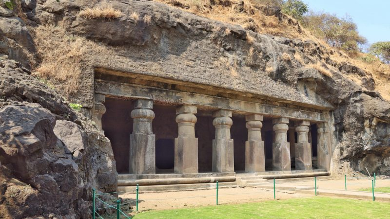 Elephanta caves caves in india