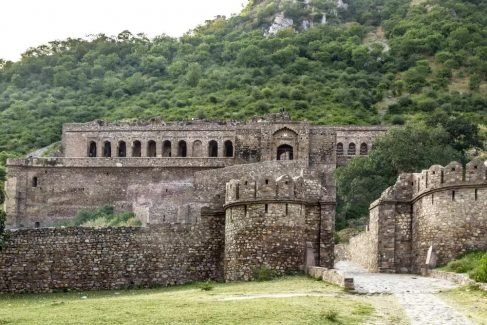 bhangarh fort historical sites of india