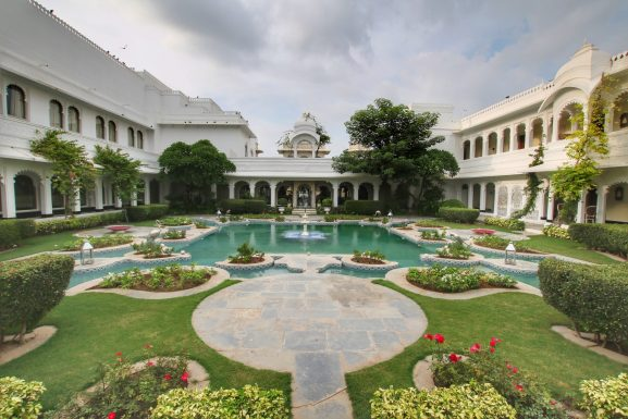 Lake Palace: Place To Visit In Udaipur