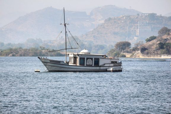 Lake Pichola: Place To Visit In Udaipur