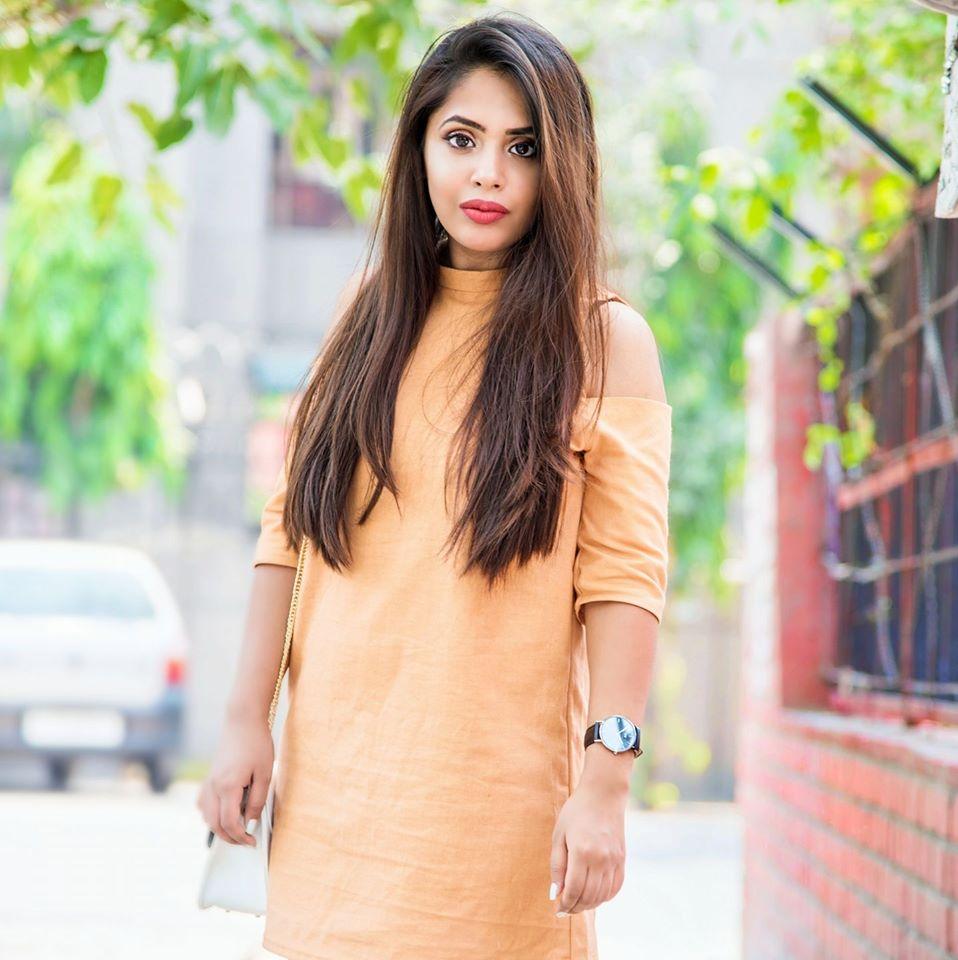 Anshita Juneja Fashion Bloggers