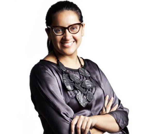 Deepa Verma: Makeup Artist In Delhi