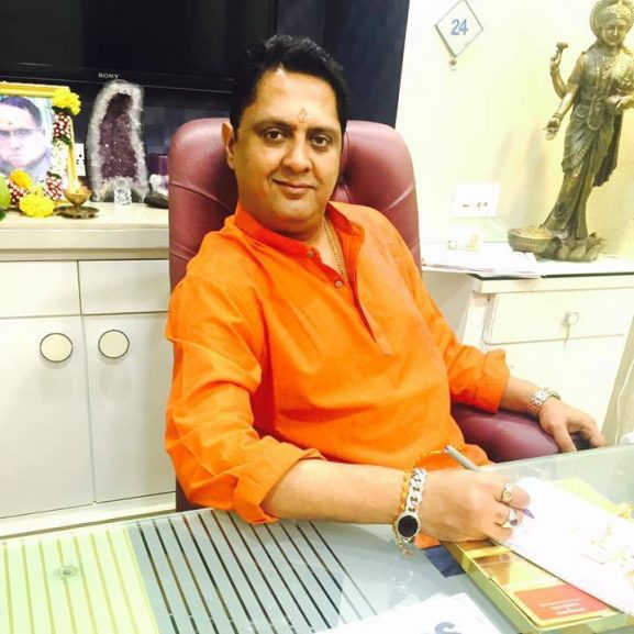 Sanjay B Jumaani - top astrolger