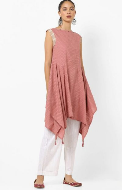 AJIO Textured Sleeveless Kurta: Kurti Under 1000 Rupees