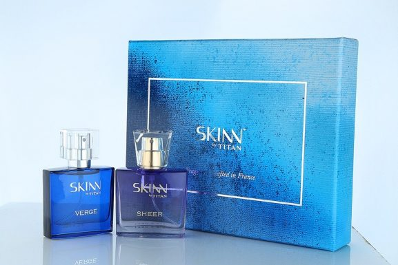Titan Skinn Verge and Sheer Gift Set: Marriage Anniversary Gift For Couple