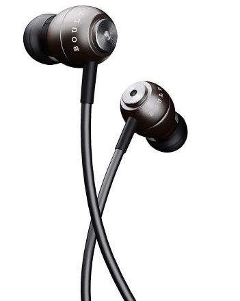 Boult Audio BassBuds Storm-X Earphones: Earphones Under 500